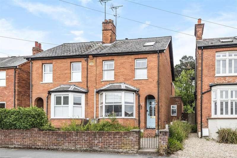 4 Bedrooms Semi Detached House for sale in Upper Broadmoor Road, Crowthorne, Berkshire, RG45 7DE