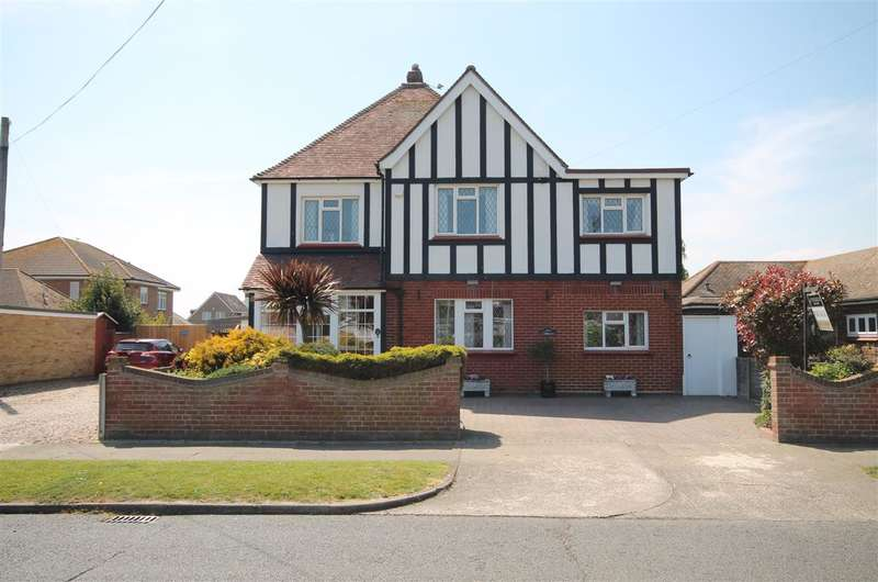 4 Bedrooms Detached House for sale in Third Avenue, East Clacton