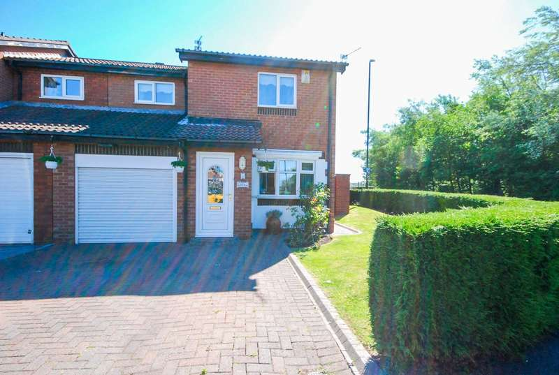 4 Bedrooms Semi Detached House for sale in Tollerton Drive, Fulford Grange