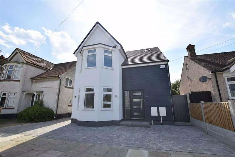 4 Bedrooms Detached House for sale in Caldwell Road, Stanford-le-Hope, Essex