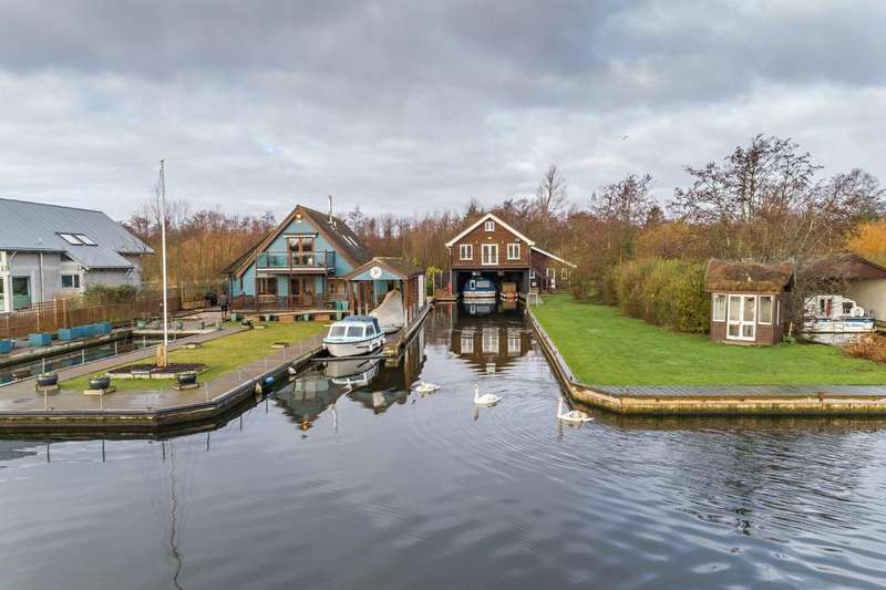 4 Bedrooms Detached House for sale in Woodlands Way, Horning
