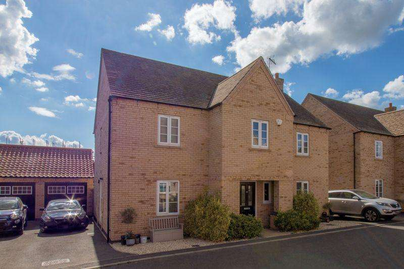 4 Bedrooms Detached House for sale in Paynes Field, Barnack