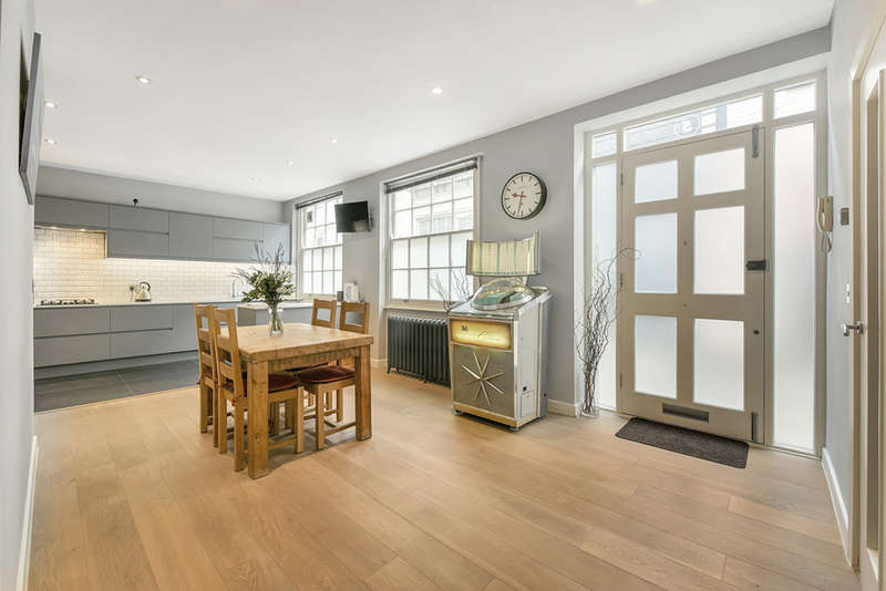 2 Bedrooms Terraced House for sale in Blackstock Mews, London