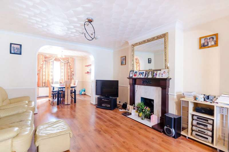3 Bedrooms End Of Terrace House for sale in Love Lane, Morden, SM4