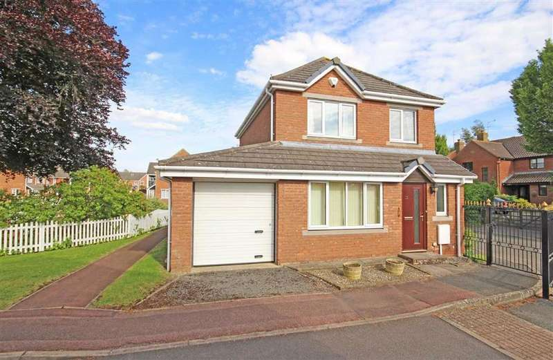 3 Bedrooms Retirement Property for sale in Cleeve Lake Court, Bishops Cleeve, Cheltenham, GL52