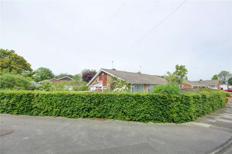 2 Bedrooms Semi Detached Bungalow for sale in Lincoln Road, Newton Hall, Durham, DH1