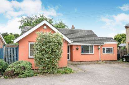 3 Bedrooms Bungalow for sale in High Road, Beeston, Sandy, Bedfordshire
