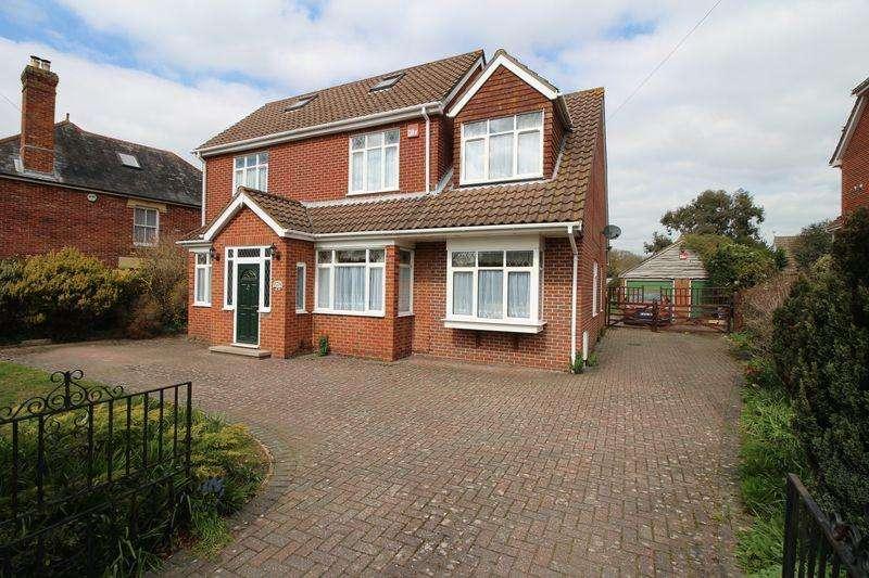 4 Bedrooms Detached House for sale in Warsash Road, Locks Heath