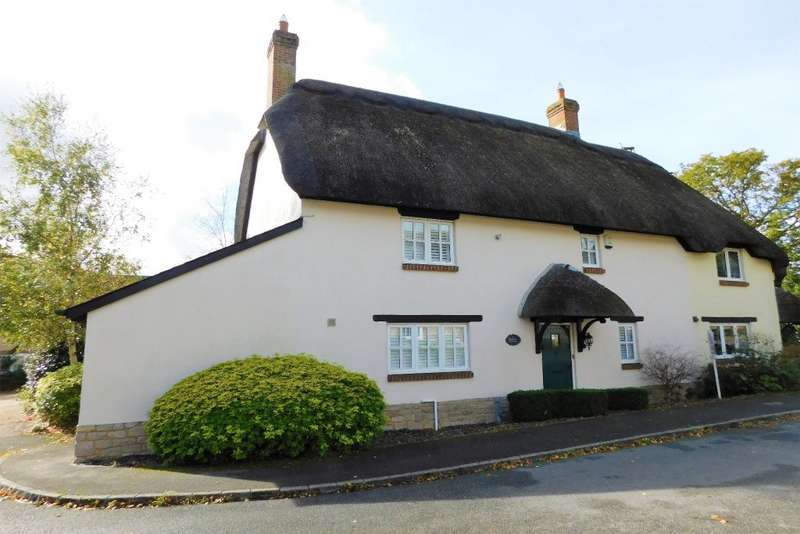 4 Bedrooms Semi Detached House for sale in Abbotts Meadow, Lytchett Matravers, Poole, BH16
