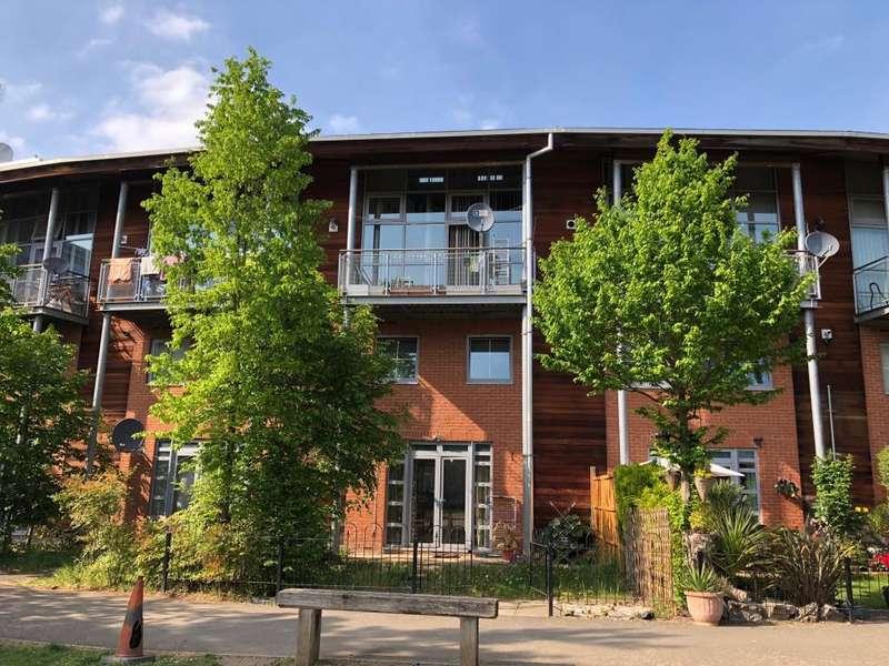 3 Bedrooms Maisonette Flat for sale in Slough, Berkshire, SL1