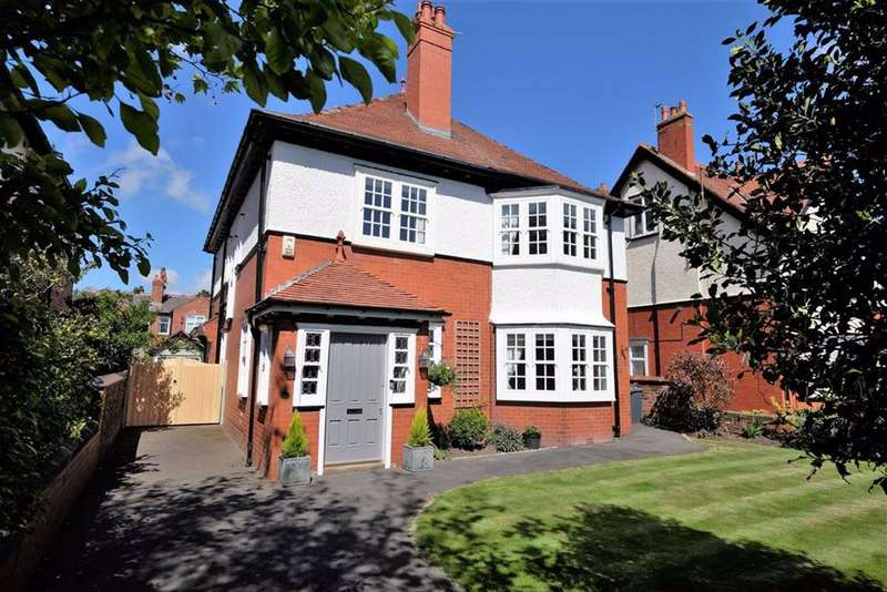 4 Bedrooms Detached House for sale in Park Avenue, Lytham