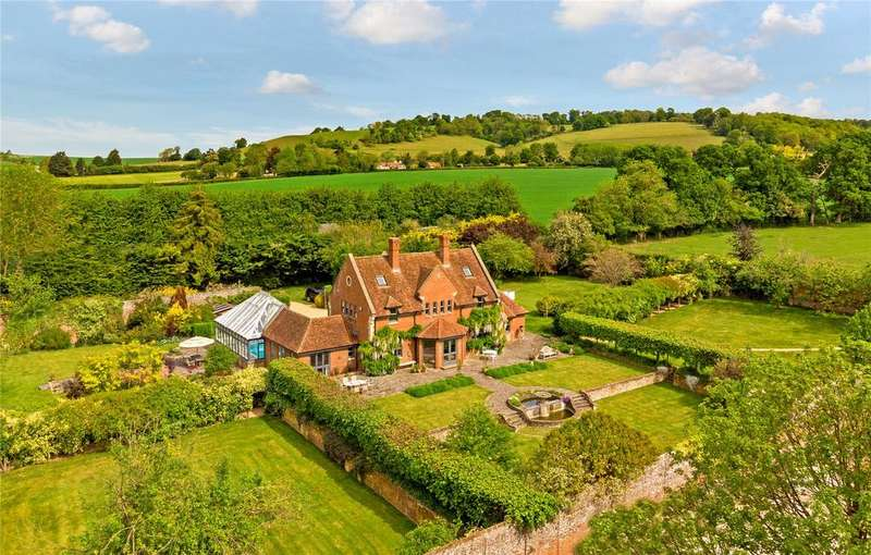6 Bedrooms Detached House for sale in Stocks Road, Aldbury, Tring, Hertfordshire, HP23