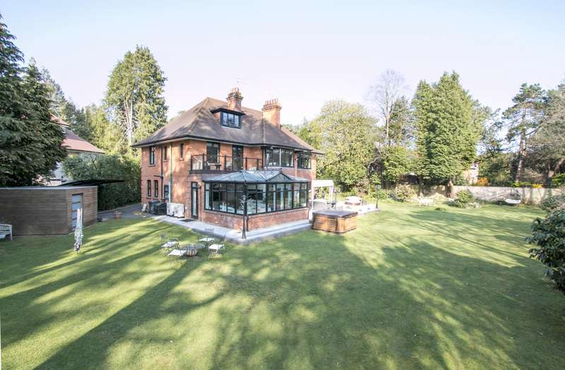6 Bedrooms Detached House for sale in Talbot Woods