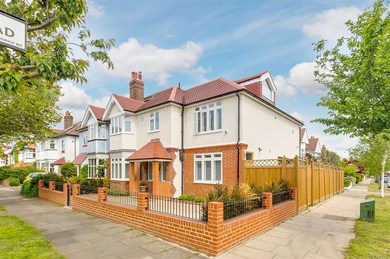 4 Bedrooms Semi Detached House for rent in Staveley Road, London