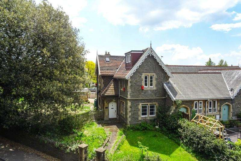 4 Bedrooms Semi Detached House for sale in London Road, Warmley, Bristol