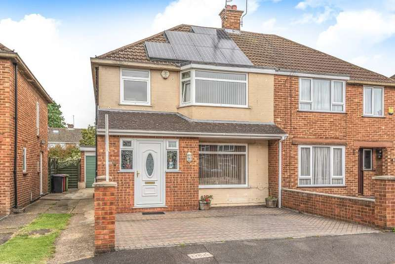 3 Bedrooms House for sale in Raymond Road, Langley, Berkshire, SL3