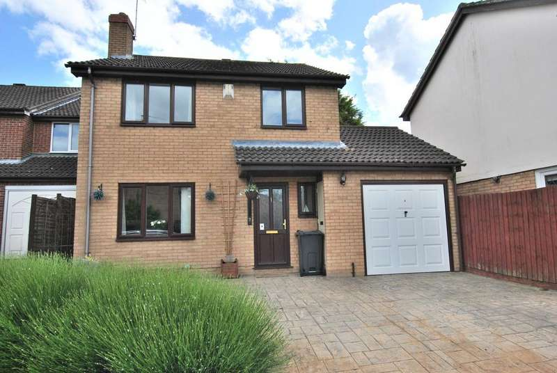 4 Bedrooms Detached House for sale in Ledbury Drive, Calcot, Reading, RG31 7EE