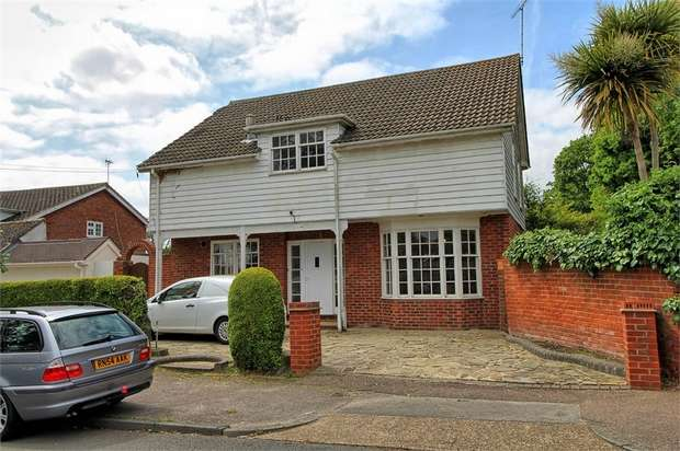 4 Bedrooms Detached House for sale in Nobles Green Road, Leigh-on-Sea, Essex