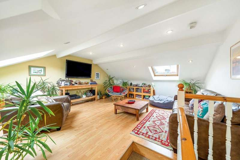 3 Bedrooms Flat for sale in Ballater Road, London, London SW2
