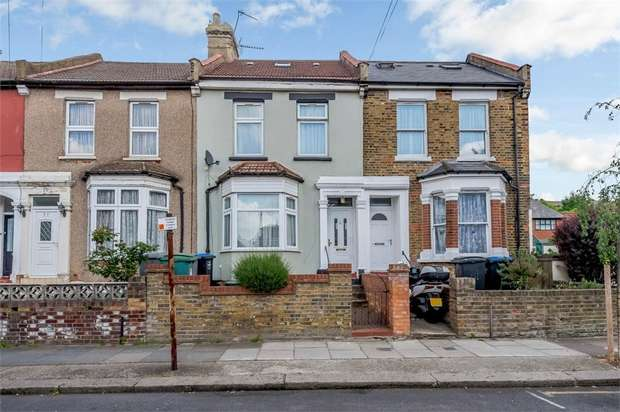 4 Bedrooms Terraced House for sale in Buckingham Road, London
