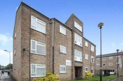 2 Bedrooms Flat for sale in Ross Close, Luton, Bedfordshire, .