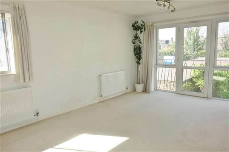 2 Bedrooms Flat for rent in Riseley Road, Maidenhead, Berkshire, SL6