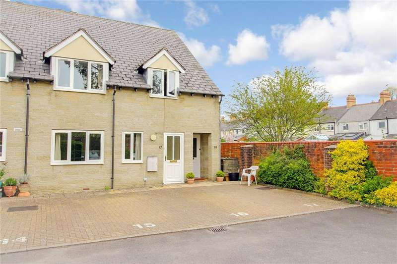 2 Bedrooms Apartment Flat for sale in Newcombe Court, Victoria Road, Cirencester, GL7