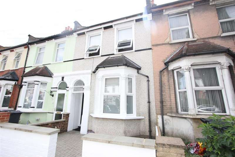 3 Bedrooms Terraced House for sale in Grasmere Road, London