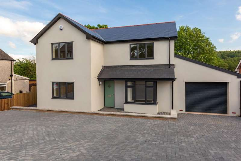 5 Bedrooms Detached House for sale in Little Mill