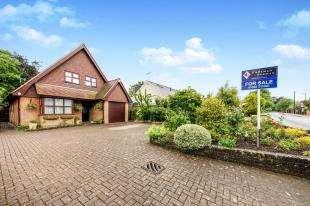 4 Bedrooms Detached House for sale in Lower Green Road, Pembury, Kent, .