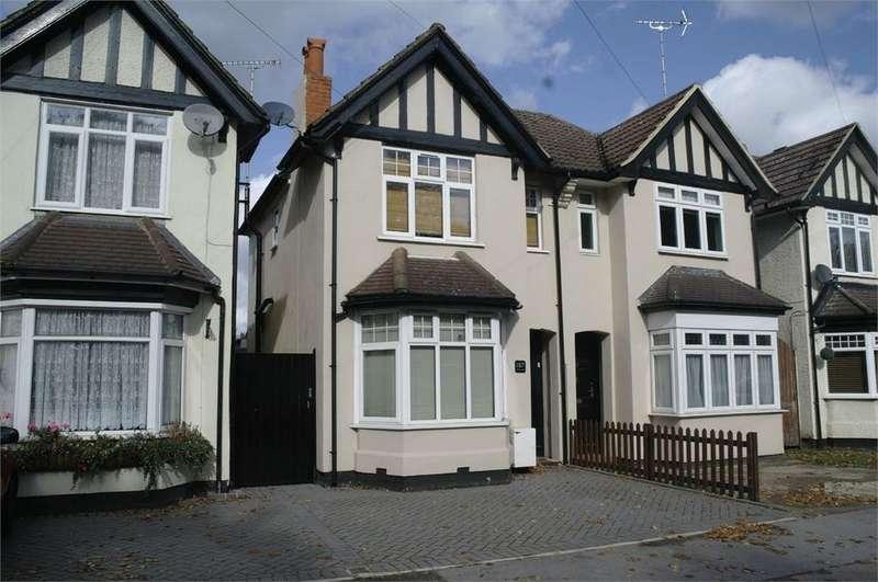 4 Bedrooms Semi Detached House for sale in Yorktown Road, SANDHURST, Berkshire