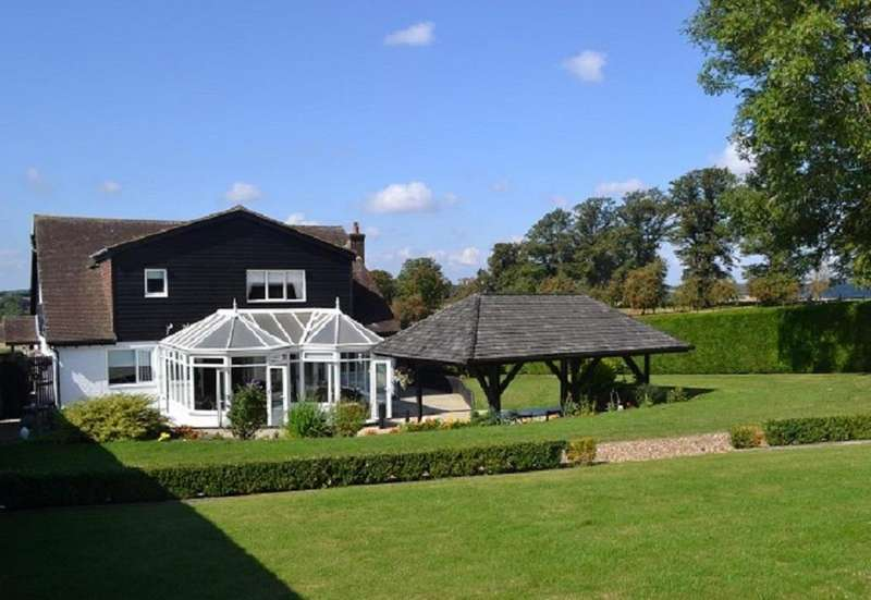 5 Bedrooms Detached House for sale in Whiteley Lane, Buckland