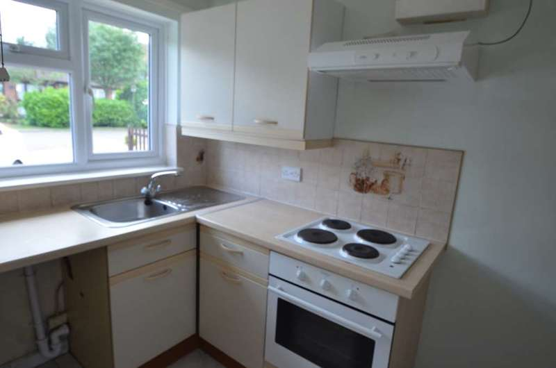 2 Bedrooms Bungalow for sale in Challacombe, Furzton