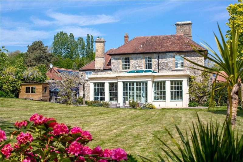 5 Bedrooms Detached House for sale in Huntenhull Lane, Chapmanslade, Westbury, Wiltshire, BA13