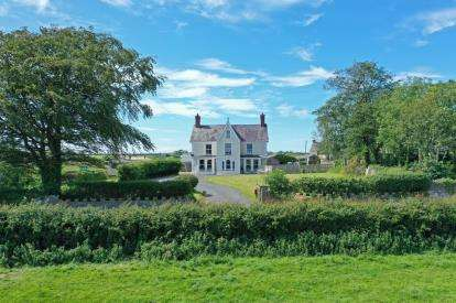 6 Bedrooms Detached House for sale in Brynsiencyn, Ynys Mon, Anglesey, North Wales, LL61