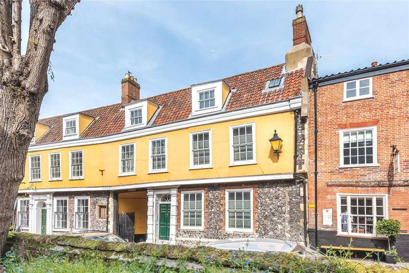 4 Bedrooms Town House for sale in Elm Hill, Norwich