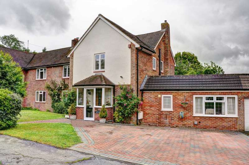 5 Bedrooms Semi Detached House for sale in Claymoor Park, Marlow