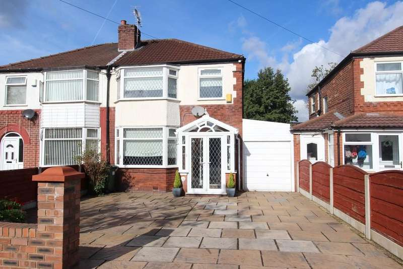 3 Bedrooms Semi Detached House for sale in Carnforth Road, Heaton Chapel