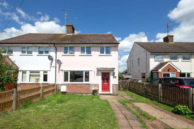 3 Bedrooms Semi Detached House for sale in Chiltern Avenue, Edlesborough, Buckinghamshire