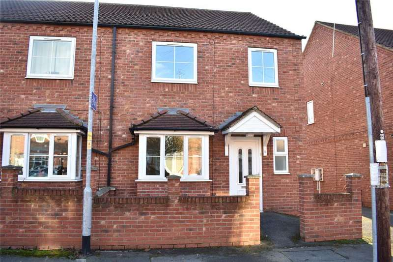 3 Bedrooms Semi Detached House for sale in St Andrews Court, Gainsborough, Lincolnshire, DN21