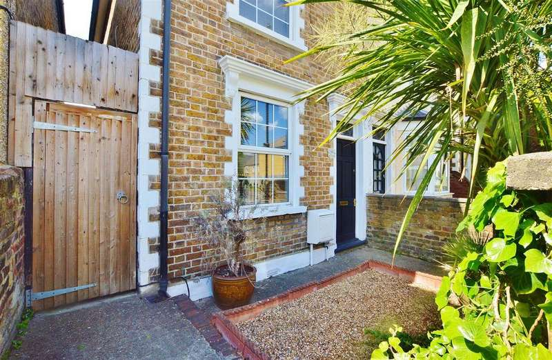 2 Bedrooms Semi Detached House for sale in Park Street, Slough