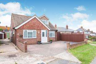 4 Bedrooms Detached House for sale in First Avenue, Newhaven, East Sussex