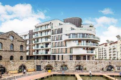 3 Bedrooms Flat for sale in Invicta, Millennium Promenade, Bristol