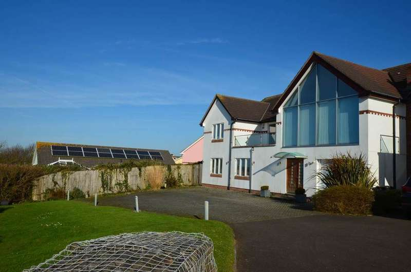 4 Bedrooms Detached House for sale in Westward Ho!, North Devon