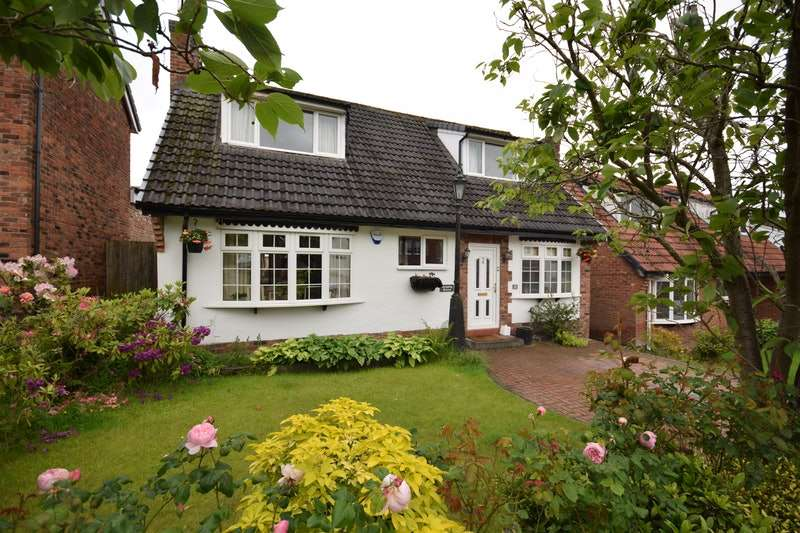 4 Bedrooms Detached House for sale in Fairview Road, Macclesfield, Cheshire, SK11