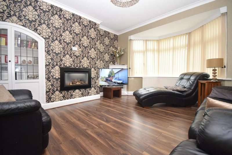 3 Bedrooms Detached House for sale in Uppingham Road, Evington, Leicester