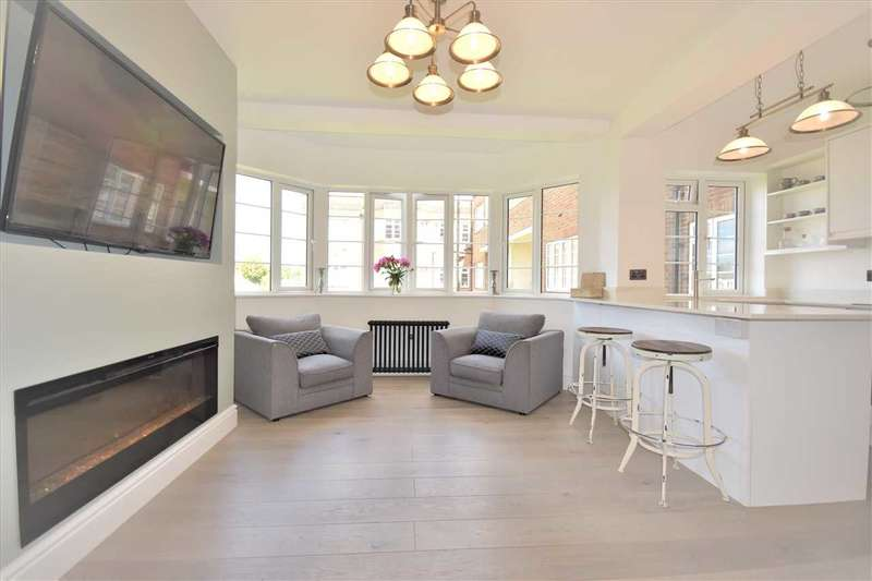 1 Bedroom Flat for sale in Chiswick Village, Chiswick