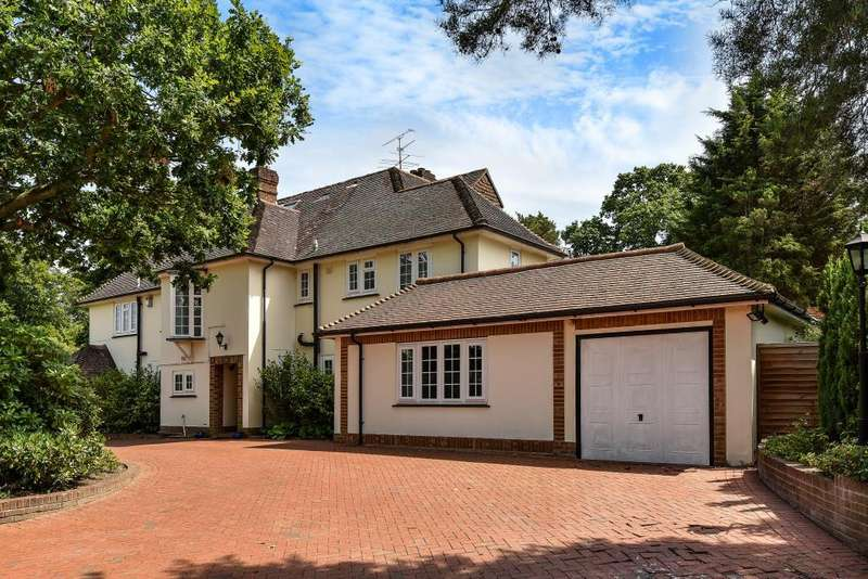 6 Bedrooms Detached House for rent in Heath Rise, Camberley, GU15