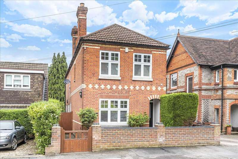 3 Bedrooms Detached House for sale in Forest Road, Crowthorne