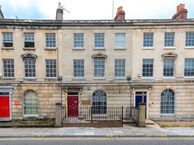 2 Bedrooms Apartment Flat for sale in Brightwell House, 40 Queens Road, Reading